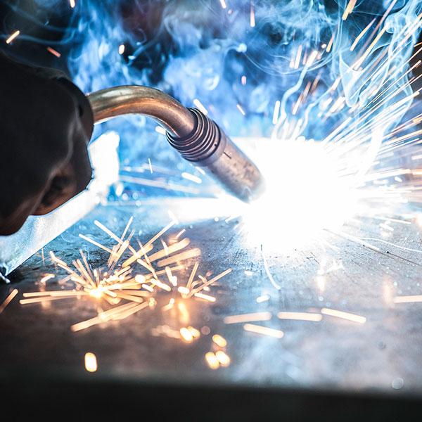 Lavorazioni di carpenteria - CAM Srl